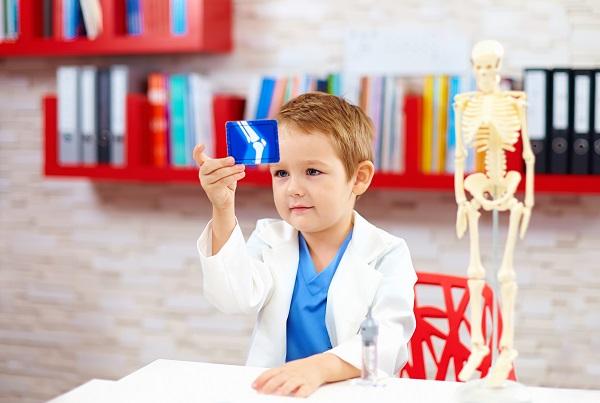 Anlaufstelle für Elternpaare, die bei Ihrem Kind einen Intelligenztest durchführen lassen möchten, sind in der Regel Experten. (#04)