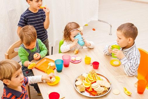 Eltern können sich das Portfolio im Kindergarten wie eine Dokumentation der Entwicklung und Bildung des Kindes vorstellen. (#01)