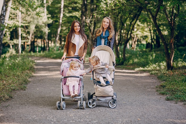 Wer sich die Testergebnisse anschaut und die Stiftung Warentest Kinderwagen Kritikpunkte beachtet, findet für sein eigenes Kind im Fachhandel einen sicheres, schönes und schadstofffreies Modell. (#02)