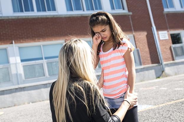 Am Ende steht dabei nicht selten der Tadel in Schule: Abmahnung, Nachsitzen, ein Verweis oder die Strafarbeit. (#01)