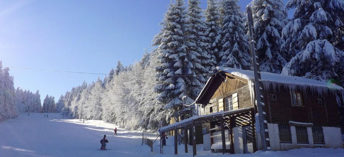 Skigebiete der Auvergne: La Loge des Gardes. (#6)