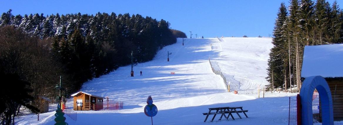 Skigebiete der Auvergne: Praboure Saint-Antheme. (#4)