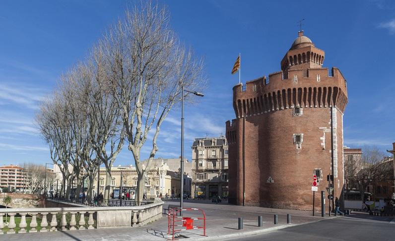 Die Region Languedoc Roussillon ist voller Sehenswürdigkeiten, die es zu entdecken gilt. Wer mag, schaut sich zu Hause schon einmal die Karte an und erstellt eine Merkliste über alles, was es vor Ort zu sehen gibt – ansonsten werden Sie rasch den Überblick verlieren und die eine oder andere Sehenswürdigkeit vergessen. (#01)