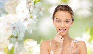 Besonders zu empfehlen sind selbstgemachte Salben für die Lippen. (#04)