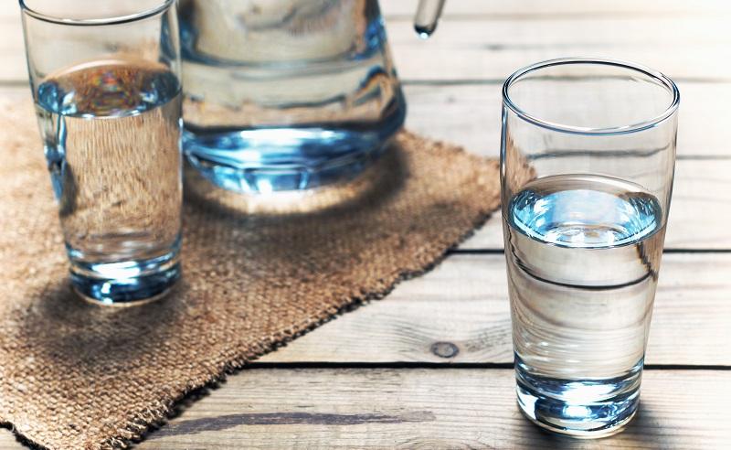 Diesen gesunden Durstlöscher gilt es Tag für Tag zuzuführen. (#02)