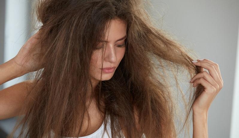 Fahle Haut, brüchige Nägel oder Haarausfall - viele dieser Probleme können durch eine gesunde Ernährung und den passenden Ergänzungsmitteln behoben werden. (#03)