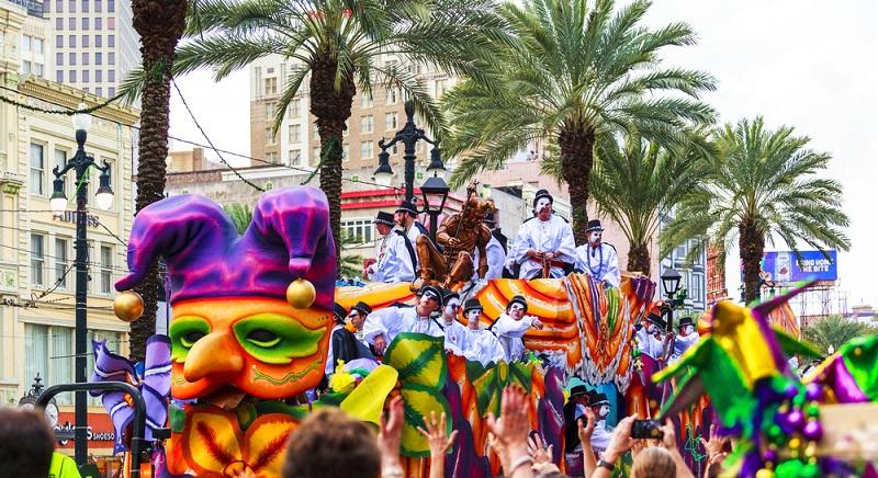 """Zur Vorbereitung auf die Fastenzeiten wurde bei den Christen der USA richtig geschlemmt und so entstand die Woche der """"fetten Tage"""". Der Karnevalsdienstag kennzeichnet das Ende der fetten Zeit, daher auch der Name."""