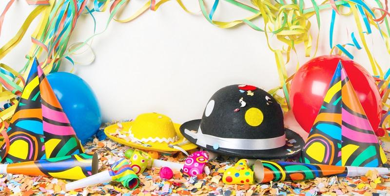 Jedes Jahr zur Fastnachtszeit übertragen viele deutsche Fernsehsender die Sitzungen der bekanntesten Karnevalsvereine.